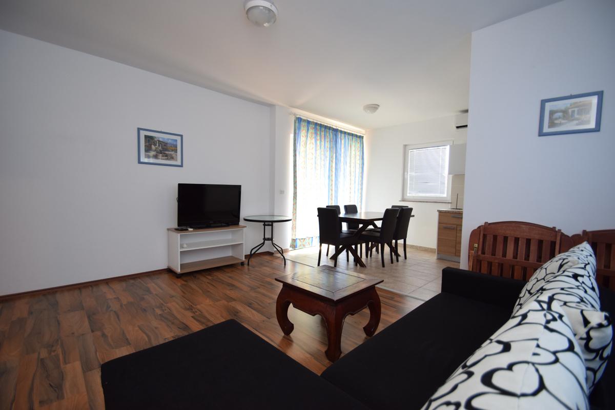 Apartment 6S